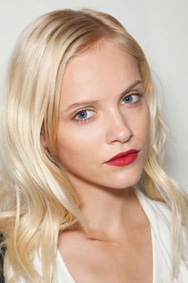 hbz-makeup-trend-ss13-red-lips-Burberry-lgn