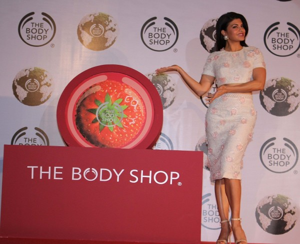 THE BODY SHOP INDIA names JACQUELINE FERNANDEZ as its new brand ambassador 2 600x489 Jacqueline Fernandez  New Face of The Body Shop India