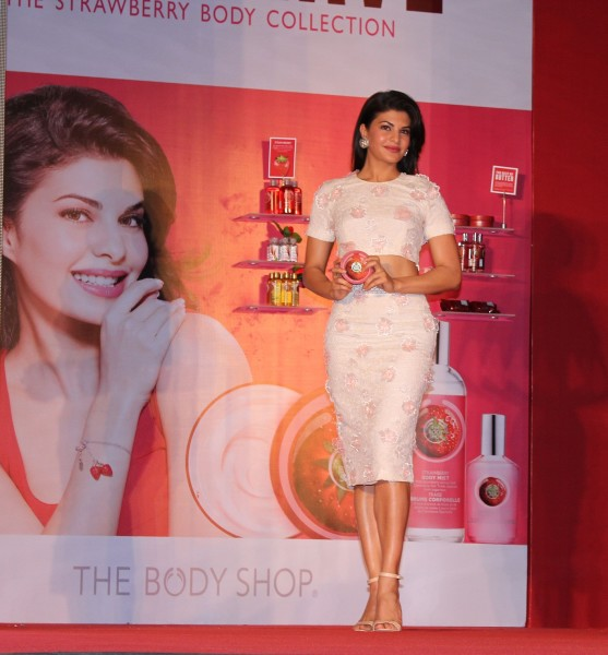 THE BODY SHOP INDIA names JACQUELINE FERNANDEZ as its new brand ambassador 3 557x600 Jacqueline Fernandez  New Face of The Body Shop India