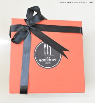 Unboxing and Review: The Gourmet Box, Indian Food Bloggeriew: The Gourmet Box