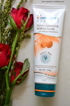 Himalaya Herbals Gentle Exfoliating Walnut Scrub Review, Indian Beauty Blog