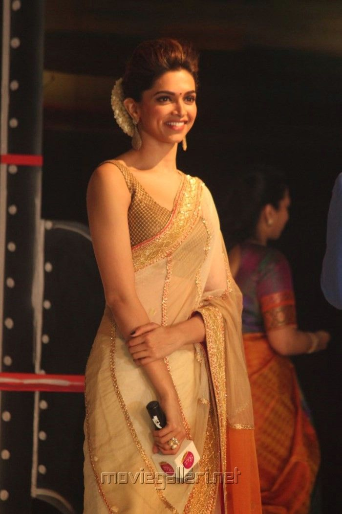 7 Bollywood Actresses Who Nail The Saree Look | New Love ...
