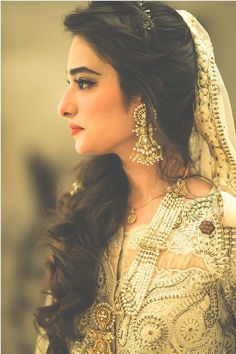 Top 10 Indian Bridal Hairstyles New Love Makeup