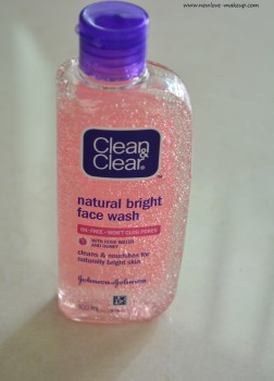 Clean & Clear Natural Bright Face Wash Review, Indian Beauty Blog, Indian Skincare Blog