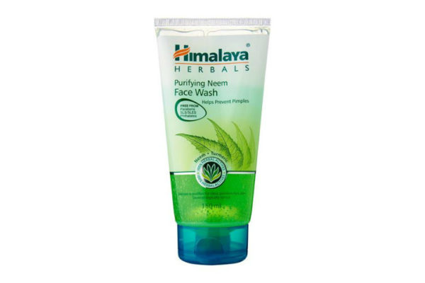 Top 5 Face Washes Under Rs.500/- in India 2021